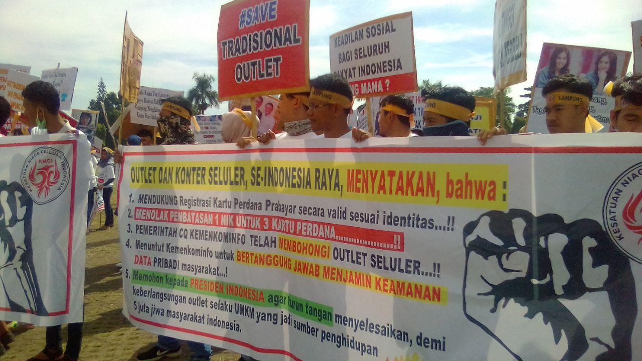 Ribuan Penjual Kartu Perdana di Lampung Mogok, Tuntut Penghapusan Pembatasan Registrasi