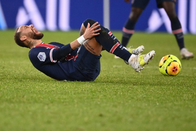 Cedera Seret Neymar Menepi Hingga Akhir 2020