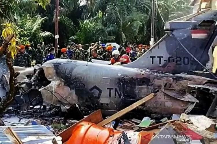 Cerita Warga Selamatkan Pilot Pesawat TNI yang Jatuh di Riau