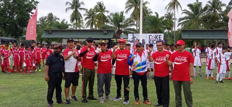 Coke Kicks Tingkatkan Kemampuan Pesepak Bola Usia Muda