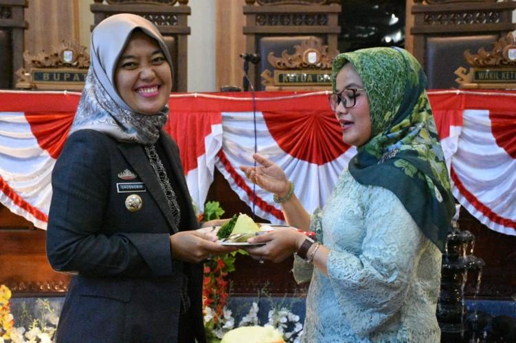 Cuma 15 Anggota DPRD Lamtim Hadiri Paripurna Peringati HUT Lampung