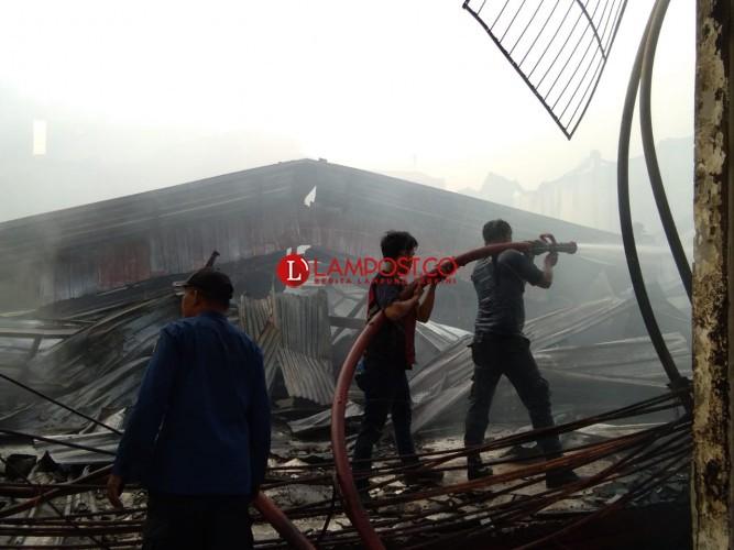 CV Bumi Waras Merugi Rp2 Miliar akibat Kebakaran