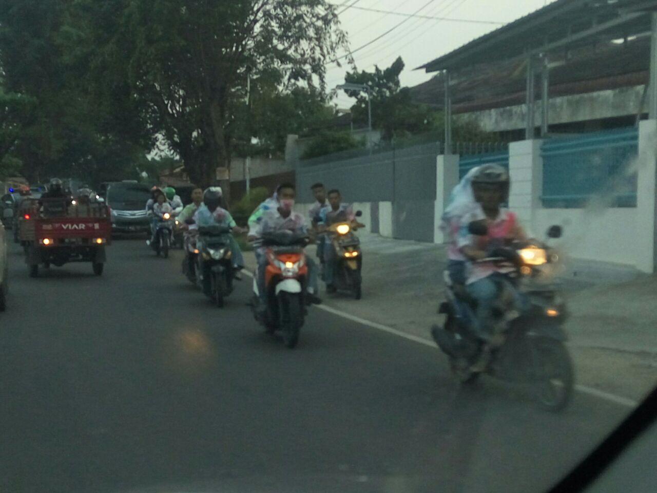 Hingga Petang, Pelajar Konvoi di Jalan Raya Rayakan Kelulusan
