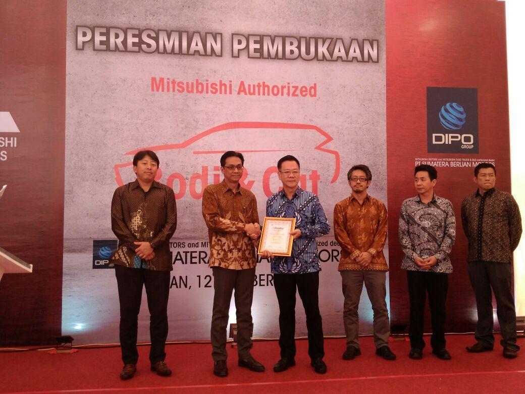 Mitsubishi Resmikan Fasilitas Bodi & Cat di Medan