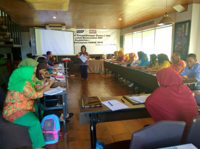 Damar Latih Perempuan Desa Mandiri Ekonomi