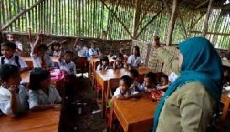 Dana Tunjangan Guru Terpencil Cukuhbalak Disoal