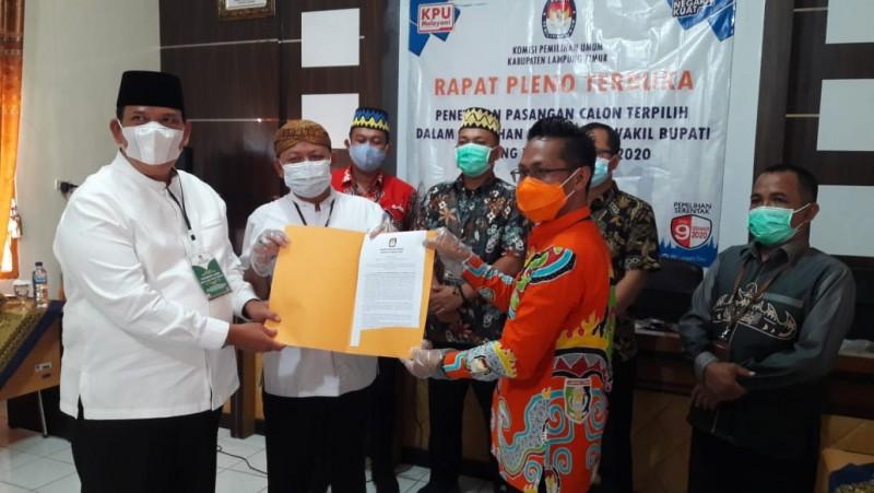 Dawam Rahardjo-Azwar Hadi Ditetapkan sebagai Bupati dan Wakil Bupati Terpilih