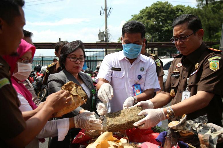Kejari Bandar Lampung Musnahkan Narkoba dan Obat Daftar G
