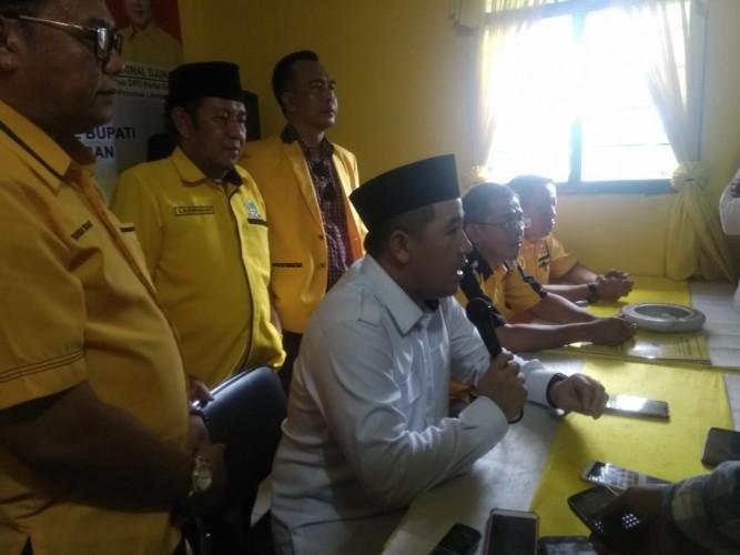 Dendi Kembalikan Berkas Pendaftaran ke Tiga Partai