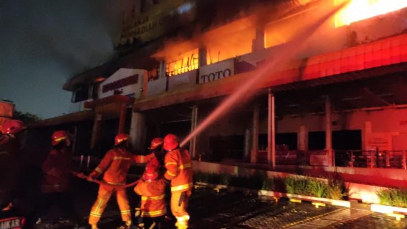 Depo Bangunan BekasibTerbakar, Kerugian Capai Rp1 Miliar