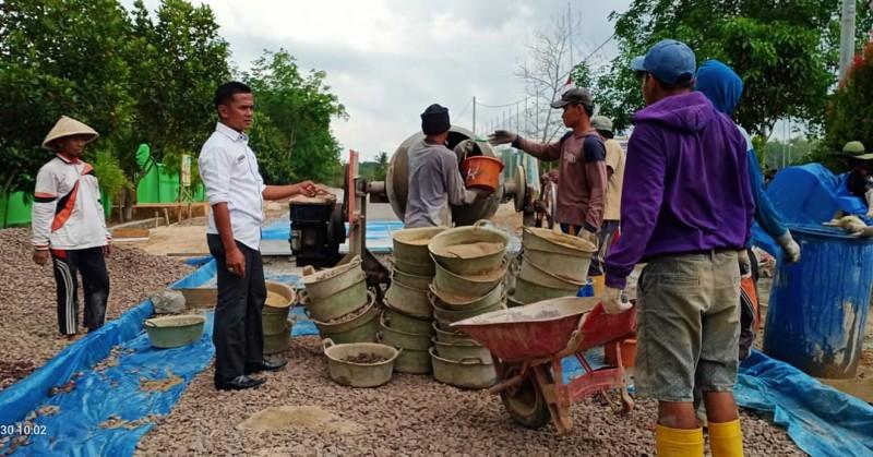 Desa Aji Jaya Bangun Jalan Utama