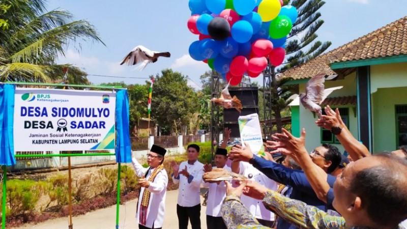 Desa Sidomulyo Diresmikan Jadi Desa Sadar BPJS Ketenagakerjaan