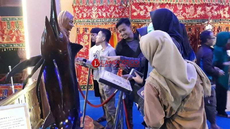 Di Lampung Fair, Pesisir Barat Suguhkan Potensi Budaya Daerah Mendunia