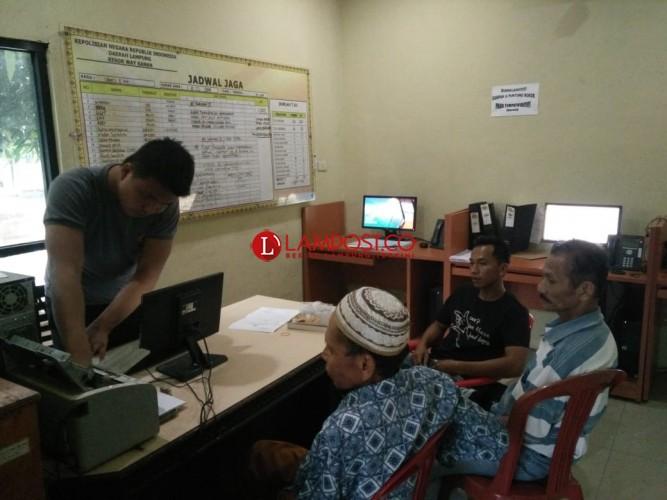 Diancam, Kakek Laporkan Oknum ASN ke Polres Way Kanan