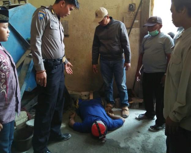Diduga Sakit, Warga Negeri Katon Ditemukan Meninggal di Tempat Kerja