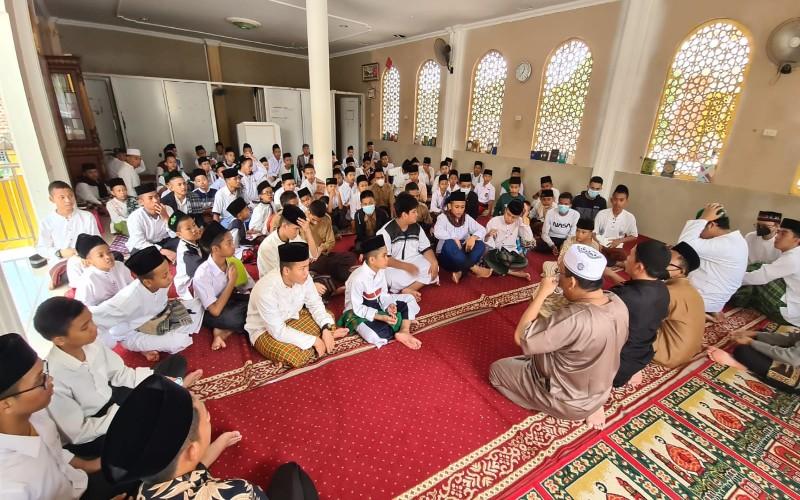 Diisukan Sakit, Santri Ponpes Riyadhus Sholihin Rutin Doakan Kesehatan Megawati