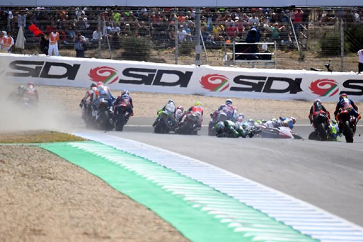 Dimas Ekky Terlibat Tabrakan di Moto2 Spanyol 2019