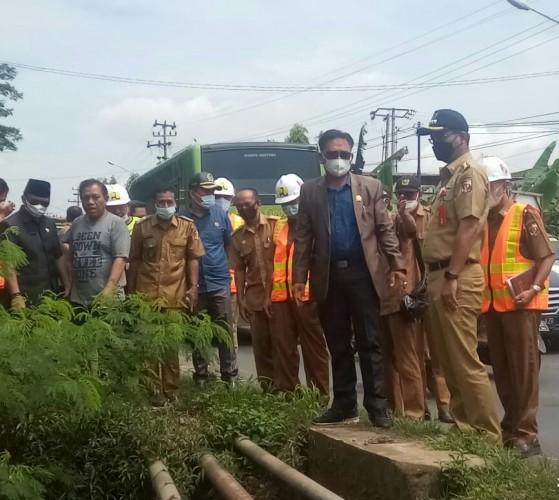 Dinas PUPR Lampura Janji Perbaiki Jalan Rusak di Abung Selatan