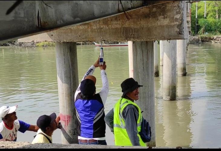 Dinas PUPR Uji Kelayakan Jembatan Sungai Burung Denteteladas