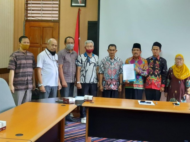 Diniyyah Putri Lampung Terima Izin Operasional Institut