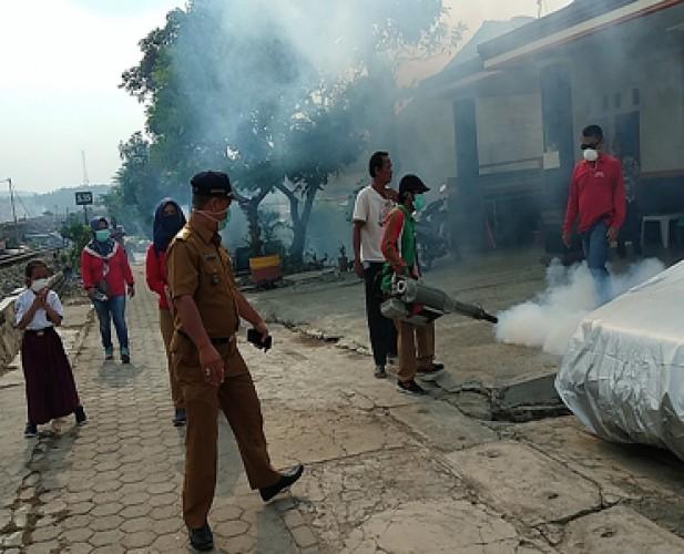 Dinkes Kota Fogging Permukiman di 20 Kecamatan