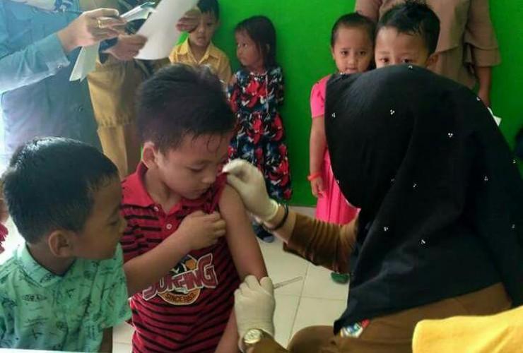 Dinkes Lampura Targetkan 95 Persen Cakupan Imunisasi MR Tercapai