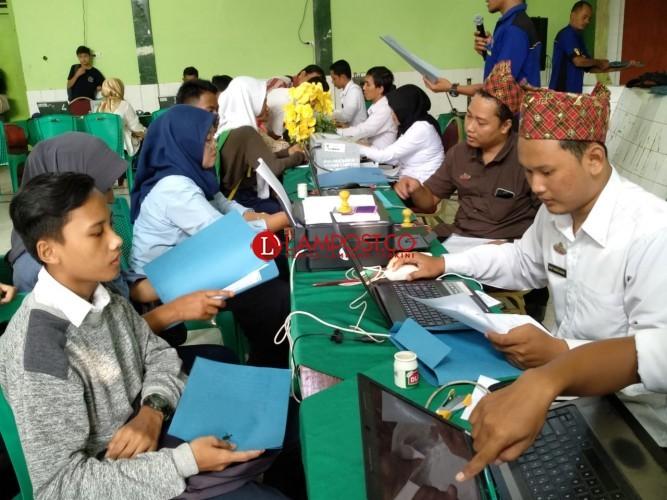 Disdik Lampung Minta Sekolah Swasta tak Tunggu Tumpahan Sekolah Negeri