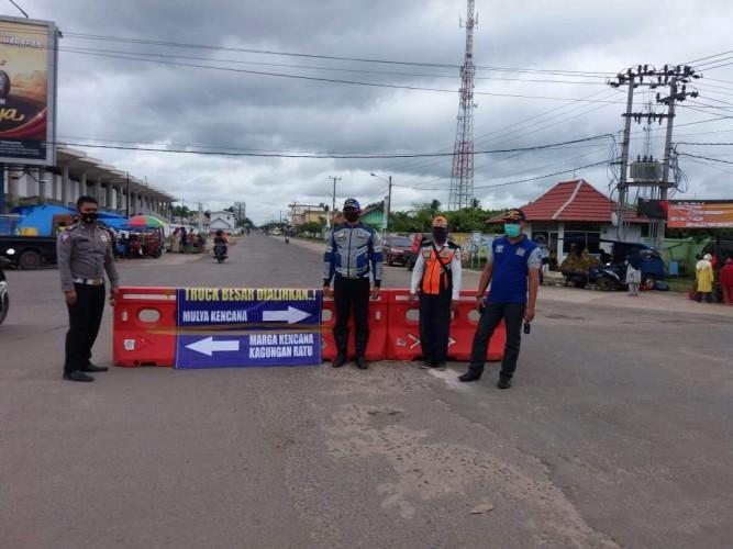 Dishub Tubaba Tutup Jalan Pulung Kencana-Panaragan Jaya