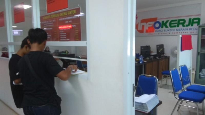 Disnaker Kota Himbau Lulusan SMK Usia Produktif Tidak Bekerja Di luar Bandar Lampung