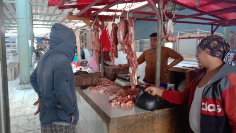 Disnakkeswan Sebut Stok Daging di Lamsel hingga Idulfitri Aman