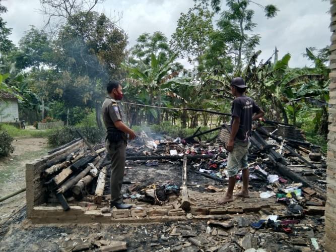 Ditinggal Kerja, Rumah Warga Candipuro Ludes Terbakar