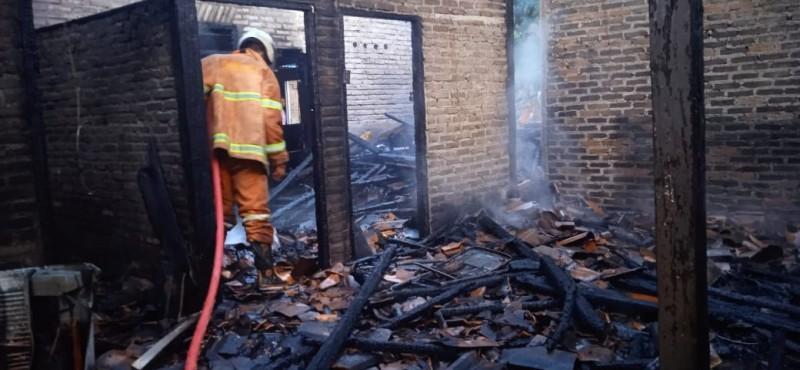 Ditinggal Pergi Hajatan, Rumah di Gadingrejo Pringsewu Ludes Terbakar