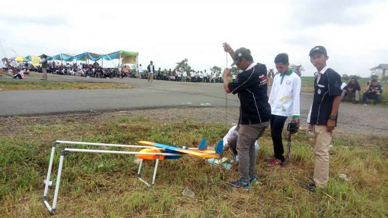 Divisi Racing Plane Tantang Mahasiswa Ciptakan Pesawat Terbang Stabil