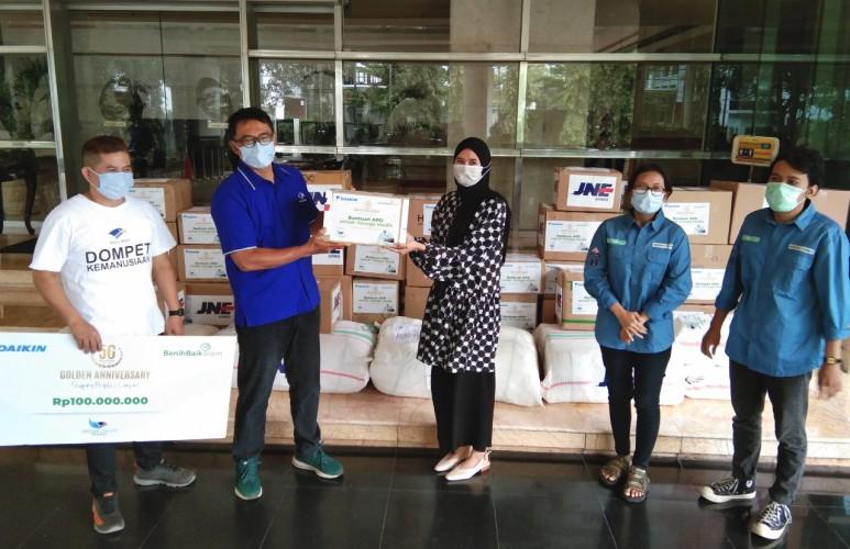 DK Media Group Salurkan Bantuan APD dari Daikin
