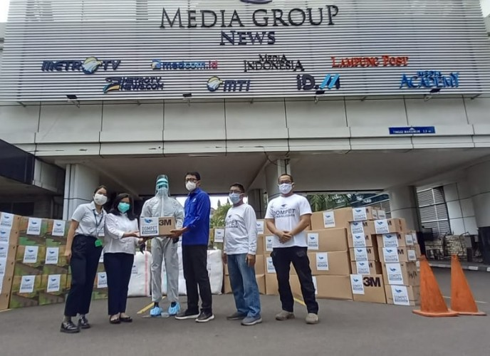 DK Media Group Salurkan Bantuan APD via Co-Hope