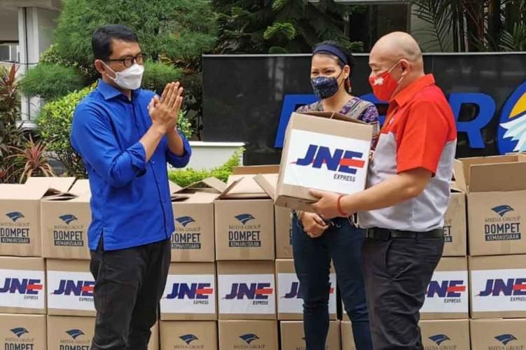 DK Media Group Salurkan Ratusan Paket Bahan Pokok via Rumah Harapan