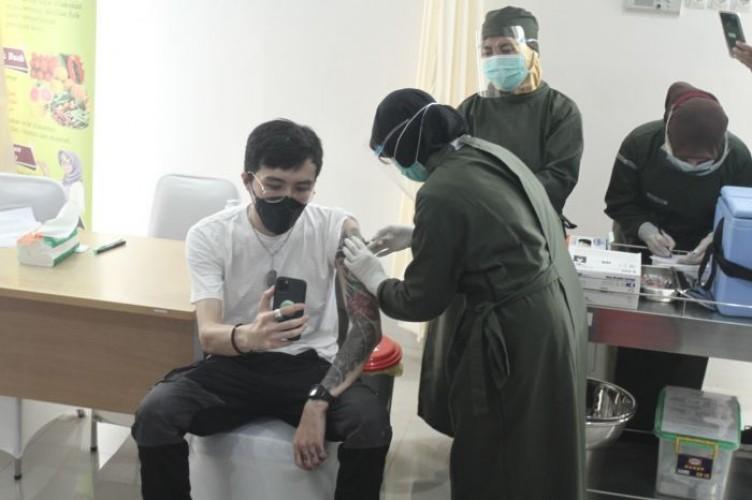 Dokter Tirta Sebut Penolak Vaksin Covid-19 Pembangkang