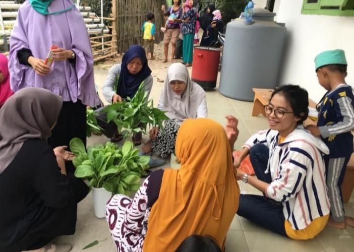 Dosen Unila Abdikan Diri ke Dusun Sindangsari