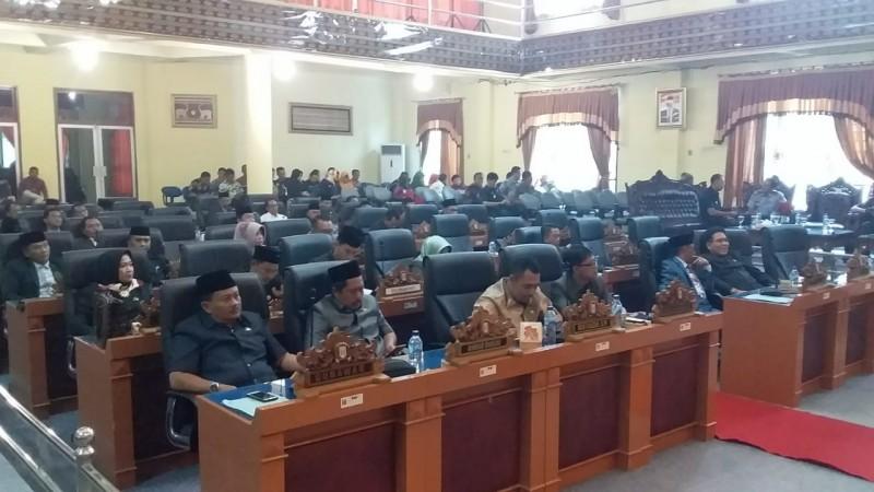 DPRD Kabupaten Lamtim Tetapkan Tujuh Fraksi
