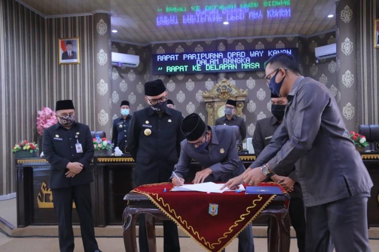 DPRD Way Kanan Gelar Paripurna LKPJ Bupati 2019