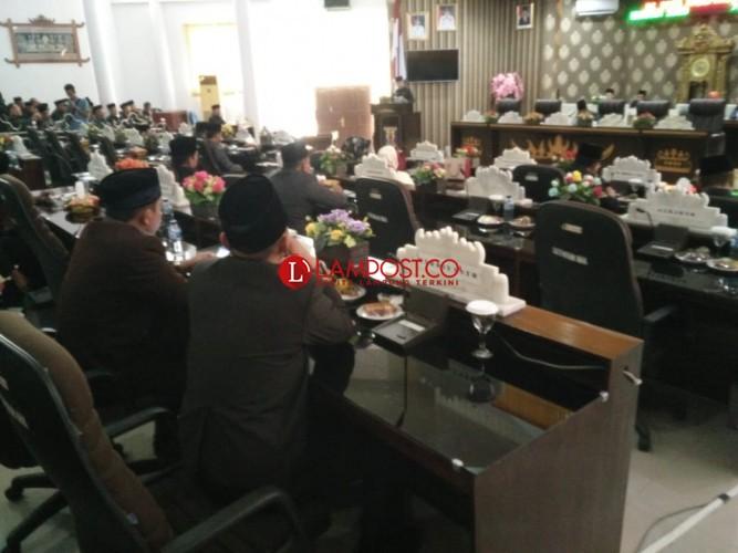 DPRD Way Kanan Gelar Paripurna Penyampaian LKPJ Bupati 2018