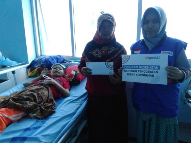 DT Peduli Lampung Salurkan Bantuan Kesehatan untuk Pengidap Kangker Darah