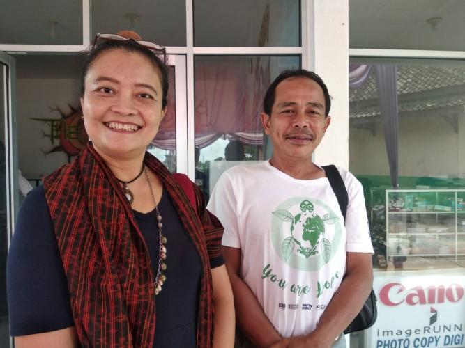 Dua aktivis Lingkungan Sosialisasi Pemanfaatan Sampah di Tubaba