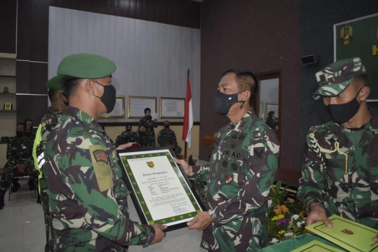 Dua Anggota Kodim 0421 Diganjar Penghargaan