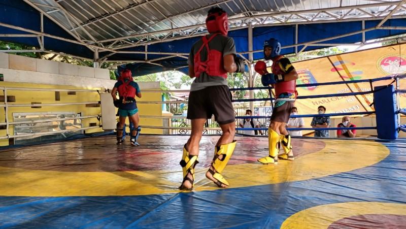 Dua Atlet Muaythai Lampung Terbaik di Training Center PB