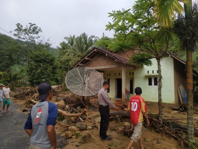 Dua Desa di Padang Cermin Terendam Banjir