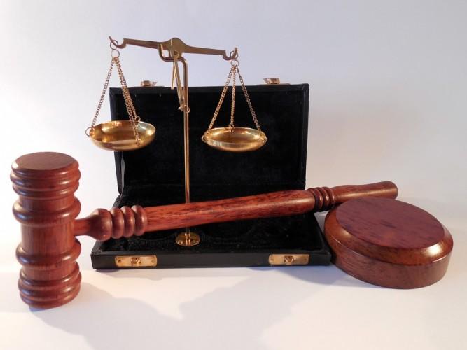 Dua Hakim PN Kotaagung Diganjar Hukuman