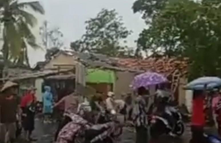Dua Kecamatan di Tulangbawang Diterjang Puting Beliung