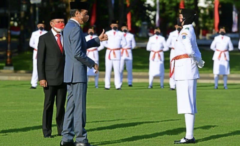 Dua Pelajar Lampung Ikut Kibarkan Merah Putih di Istana