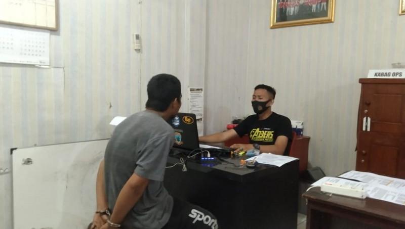 Dua Pria Pengangguran Ditangkap Jual Sabu